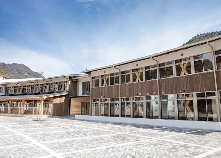 村内木造建築|PROJECTS|十津川式林業6次産業化「山にこだわる。木に ...